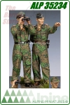 Waffen SS Panzer Officer at Kursk Set (2 Figures)